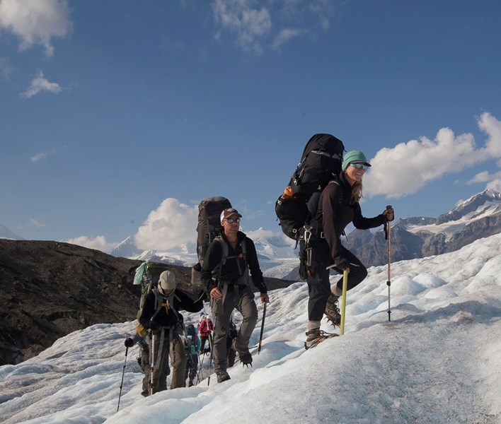 St._Elias_Alpine_Guides,_glacier_backpacking